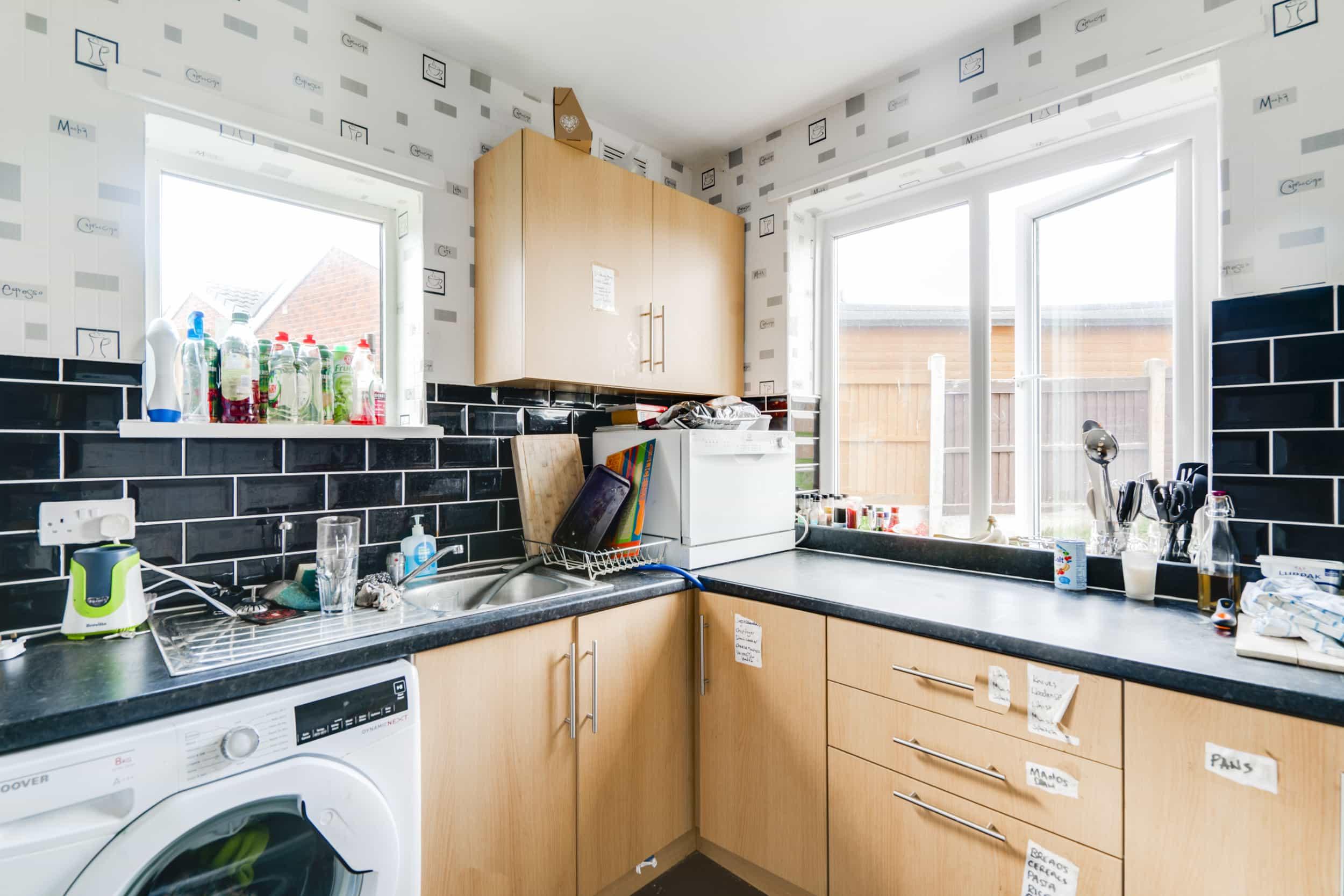 Ash Crescent - kitchen