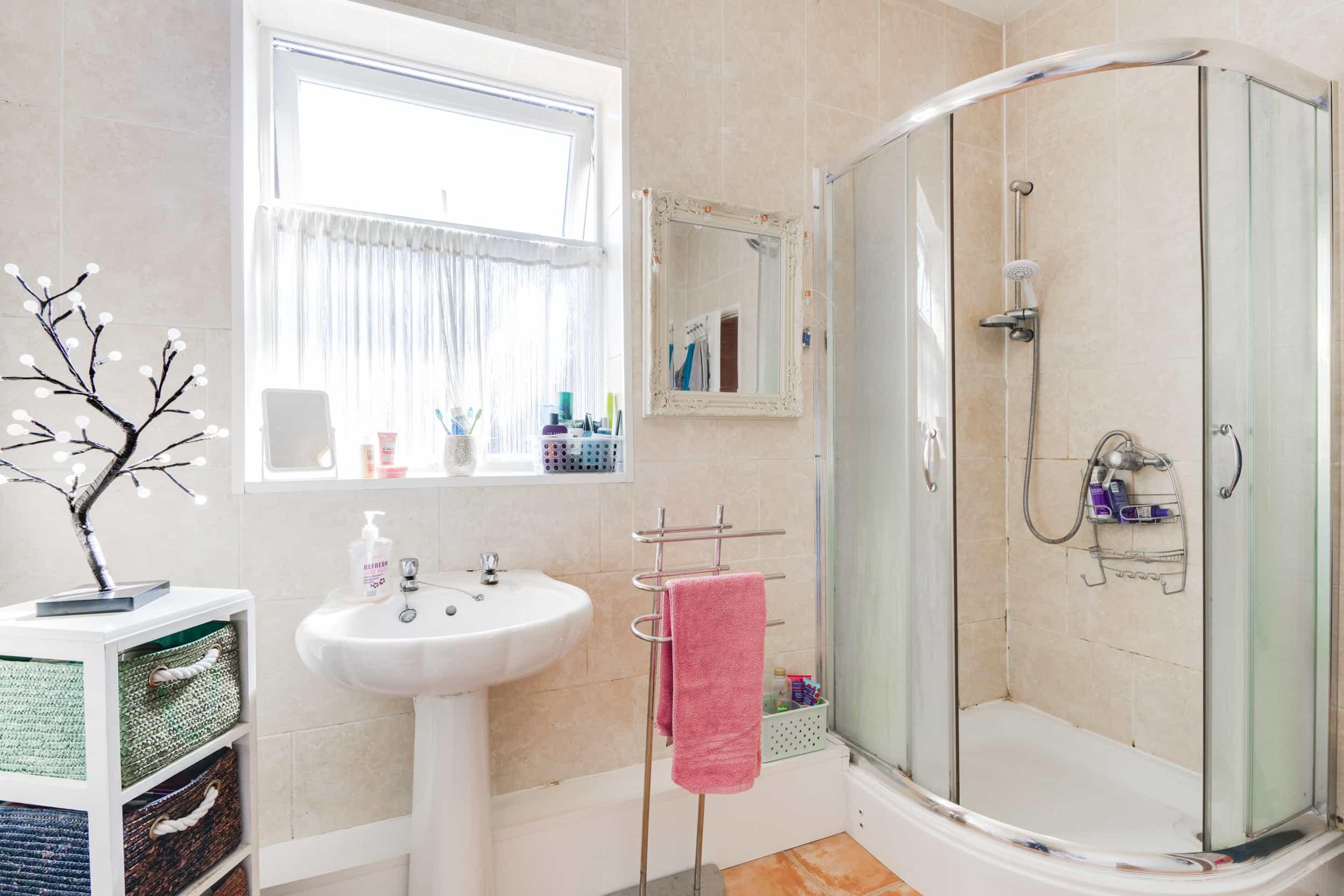 Firth Road - Bathroom